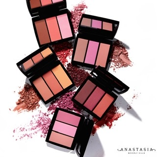 Beauty Bar gives you top picks from Anastasia Beverly Hills and Smashbox to help express yourself