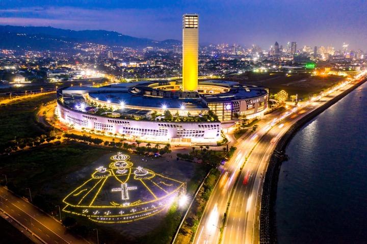 SM hosts Liter of Light's largest solar tribute to Santo Niño de Cebu