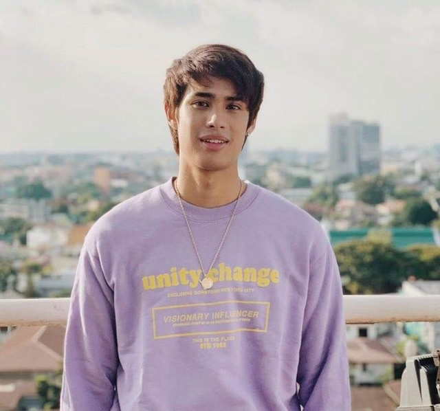 Donny Pangilinan renews contract with Universal Records