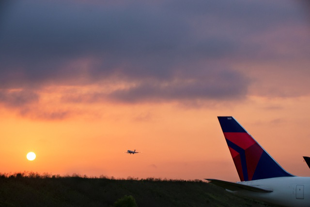 Delta extends expiring travel credits through year-end 2022