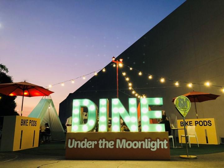 Dine Under the Moonlight