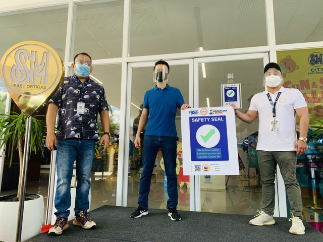 SM City East Ortigas is granted the Safety Seal by the City government of Pasig!