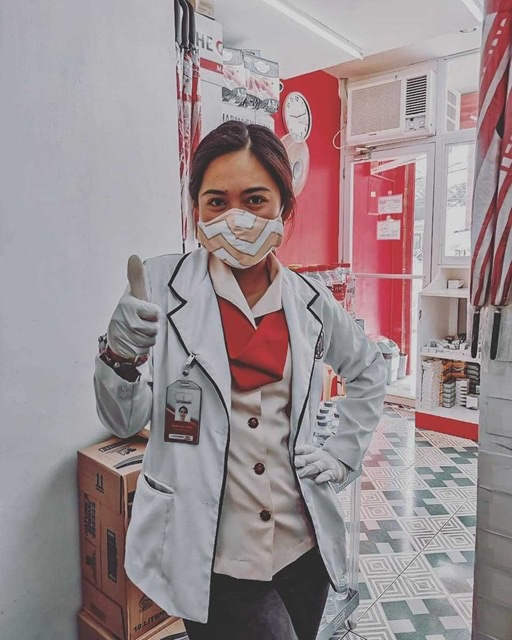 Medical frontliners double as online English teachers during the pandemic