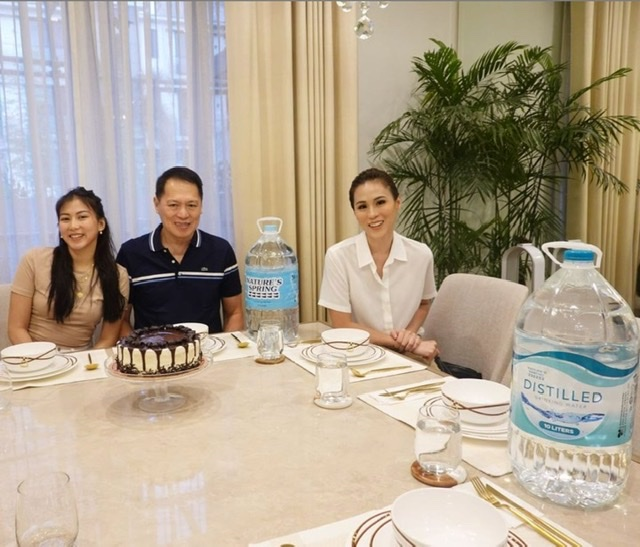 The Gonzaga Sisters sing the praises of water for health and beauty